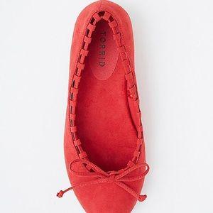 Torrid red whip stitch size 9w flats